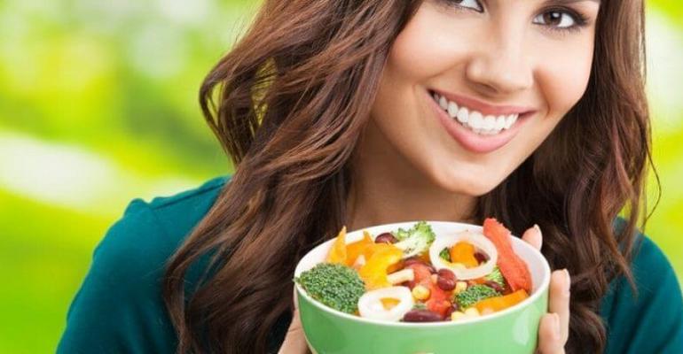 Какие витамины лучше принимать весной женщине